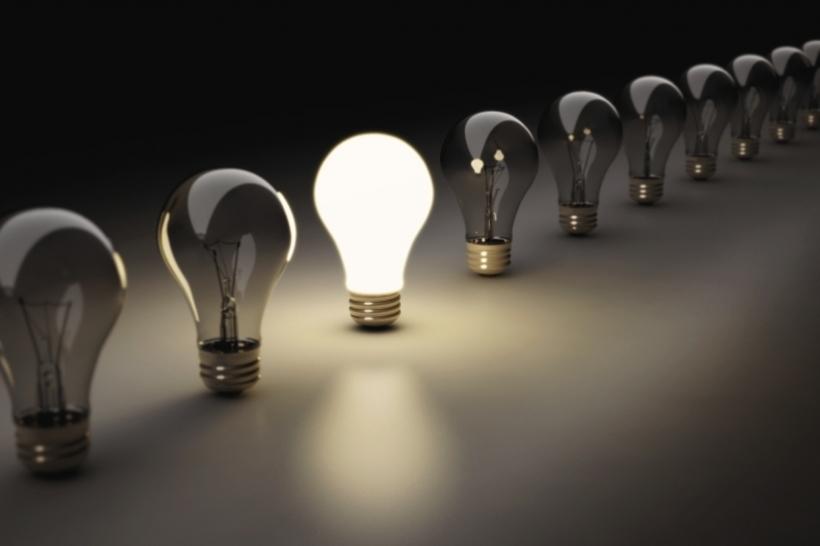 20150304221031-lightbulb-standingout-standing